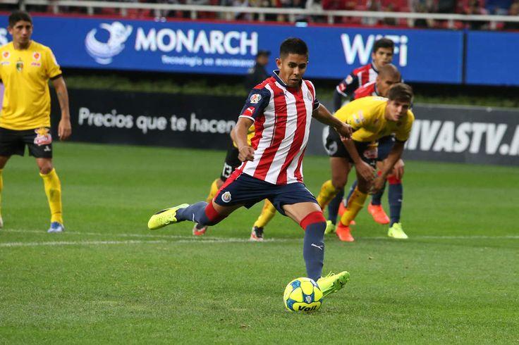 NÉSTOR CALDERÓN REGRESA A SANTOS LAGUNA El atacante portará de nueva cuenta la playera de los Guerreros para el Torneo Apertura 2017 de la Liga MX.