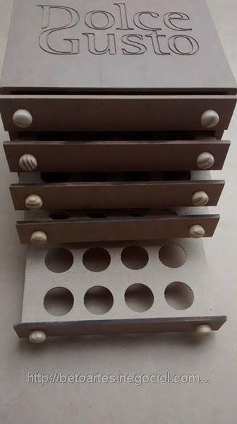 Gaveteiro Dolce Gusto com logo gravado (ID#366013): venda, preço em São Paulo. Gaveteiros e caixas para cápsulas de café empresa Beto Artes em Madeira