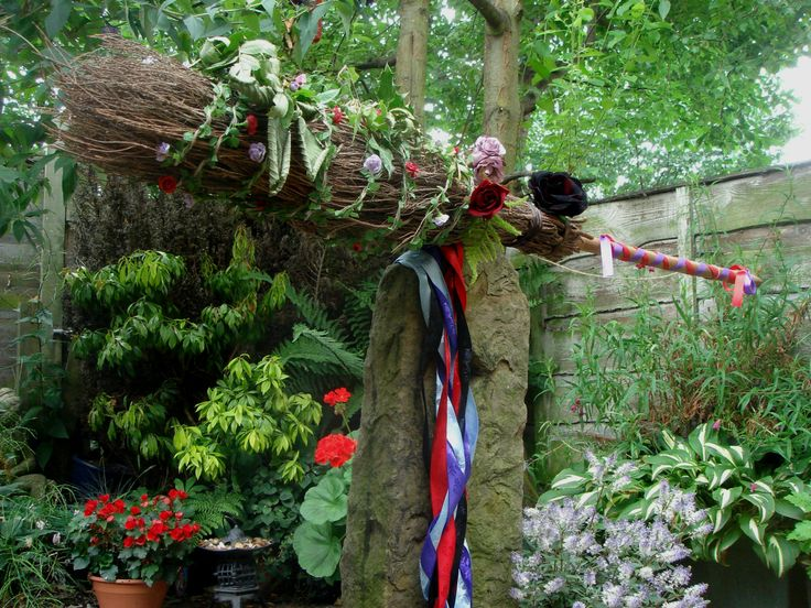 pagan yule trees | The witches broom, alter pagan alter, lammas, pagan, wicca ritual ...