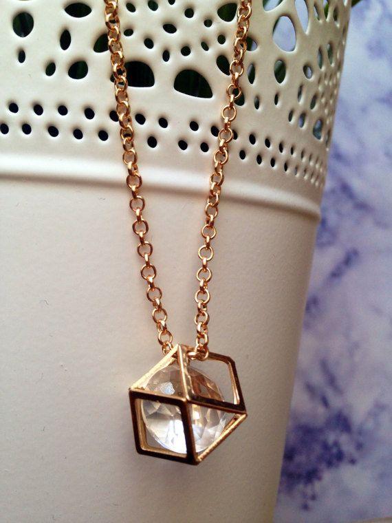 #polygon #polygoncharm #rosegold #modern #polygonpendant #charmnecklace #crystal #jewelry #necklace #handmade #handmadejewelry #fashion #fashionstyle #luxurylifestyle