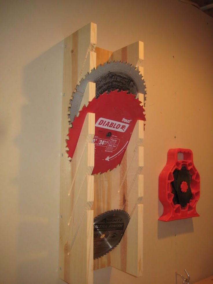 great diy storage for circular saw blades