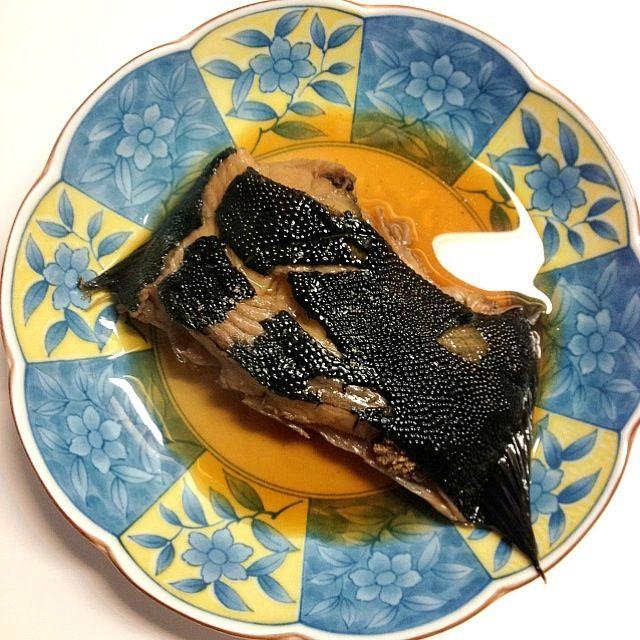 副菜は、里芋と鶏そぼろ煮に、ほうれん草の胡麻和えです♫ - 2件のもぐもぐ - 今夜は黒かれいの煮付け。 by Shoko Shiku