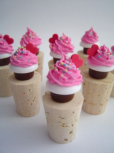 beach wedding cake candle favors 39 best wine stoppers images on wine bottles 11172
