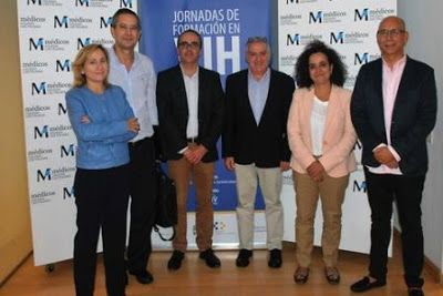"""Canarias registró más de 260 nuevos casos de VIH en 2015 . El director de Salud Pública del Gobierno de Canarias, Ricardo Redondas, insistió en la necesidad de """"poner freno a esta epidemia silenciosa a través de la prevención, el diagnóstico precoz y los tratamientos"""". Europa Press   El Diario, 2016-11-06 http://www.eldiario.es/canariasahora/sociedad/Canarias-registro-nuevos-casos-VIH_0_577442568.html"""