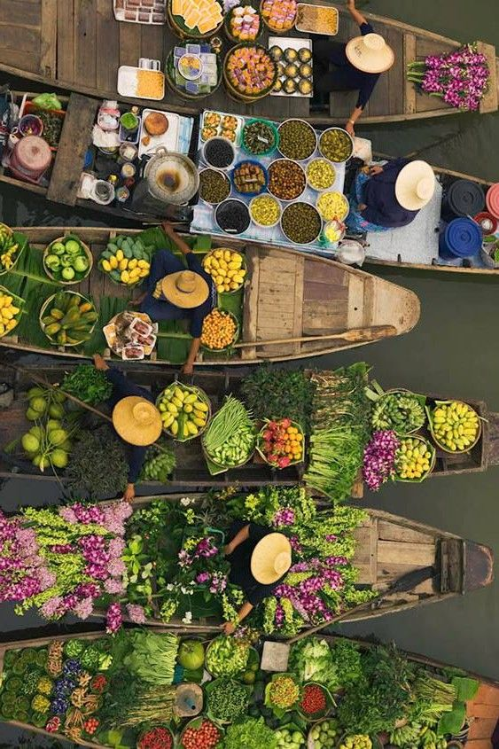 Floating market, Thailand... reminds me of the Hermes scarf: Marche Flottant Du Lac Inle
