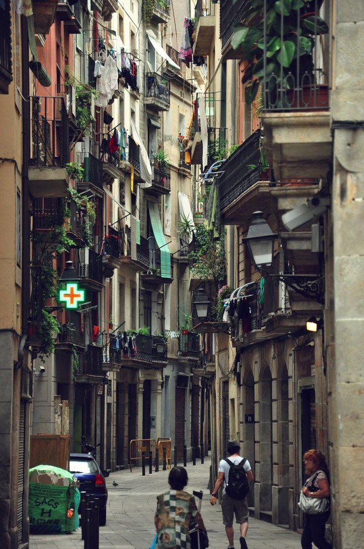 The Gothic Quarter, Barcelona Thinking about Barcelona so much today.......#famfinder