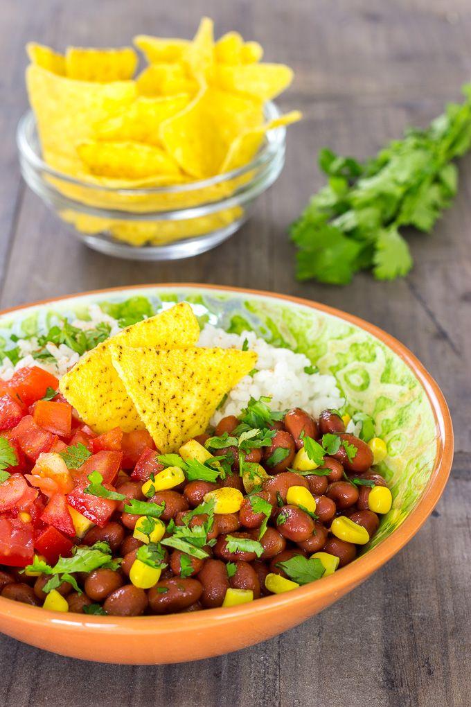 RECETA FÁCIL   El burrito en bol es una forma diferente de disfrutar del típico plato mexicano. Es una receta muy rápida y queda muy hermosa en la mesa.