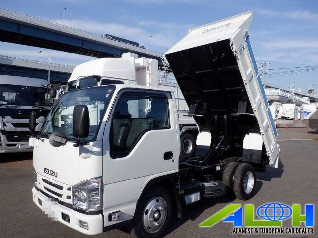 Isuzu Elf 2020 In 2021 Used Trucks For Sale Trucks Japan