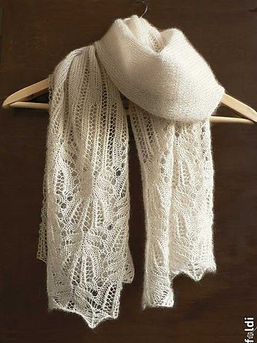 Ravelry: patrón del mantón de encaje de flores Panna Frost por Foldi punto