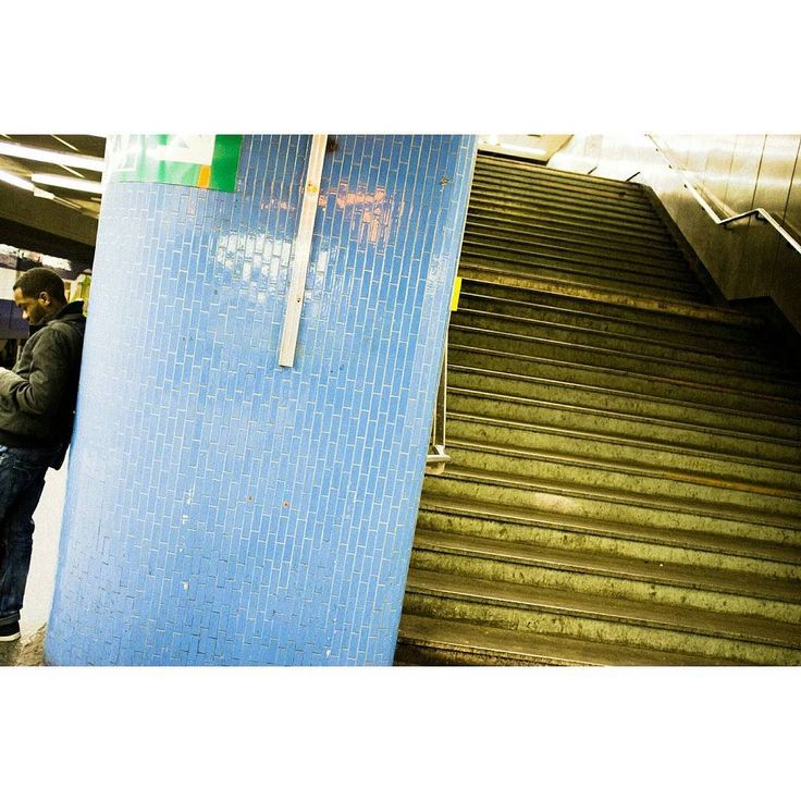 Emptiness #skantzman #manolisskantzakis #photography #colour #velvia #fujix100t #paris #metro #châtelet