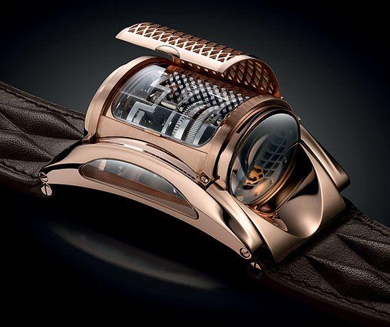 La Cote des Montres : La montre Parmigiani Fleurier Bugatti Type 370 Révélation - Son design est basé sur la calandre de la Bugatti Veyron avec sa structure d'alvéoles en losanges serrés
