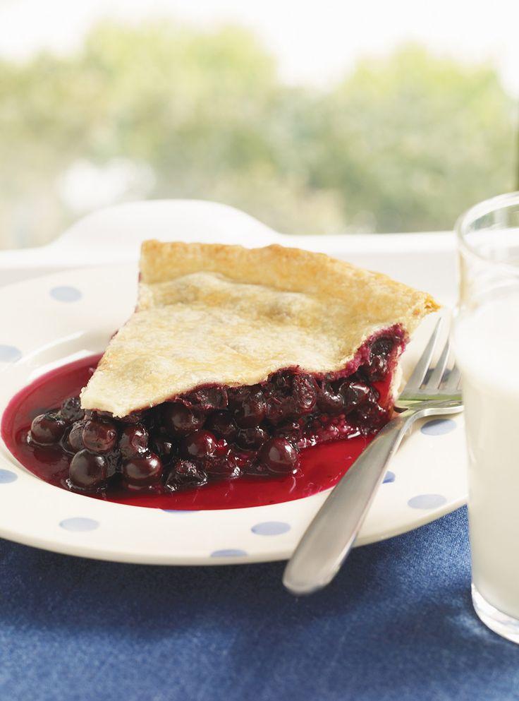 Recette de Ricardo de tarte aux bleuets. Cette tarte aux bleuets fait un très bon dessert de saison, lorsque les bleuets sont à leur meilleur.