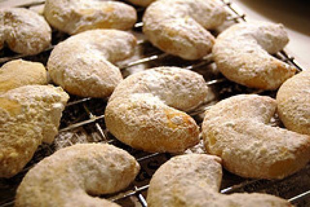 16 Polish Christmas Cookies Recipes: Almond Crescent Cookies Recipe - Polish Rogaliki