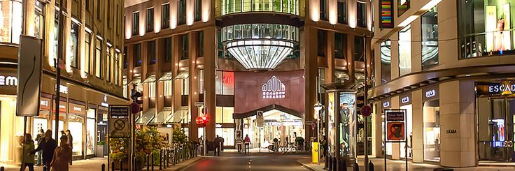 Shopping in Düsseldorf: From Avant-Garde to High-End Fashion