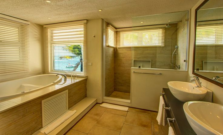 Junior Suite bathroom - Solana Beach