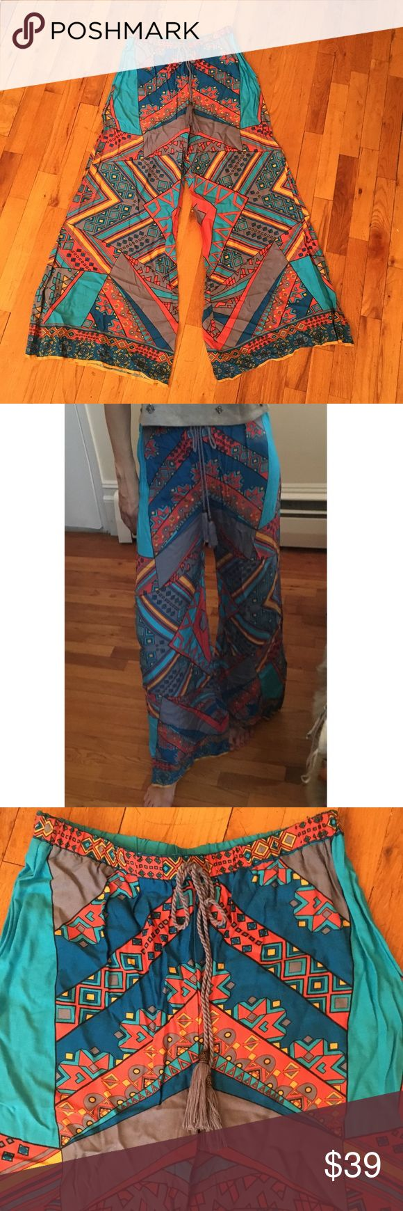 Flying tomato printed palazzo pants Flying tomato printed palazzo pants 100% Cotton Sz M Flying Tomato Pants Wide Leg