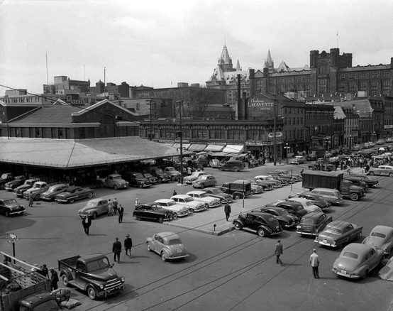 A picture of the Ottawa byward market.