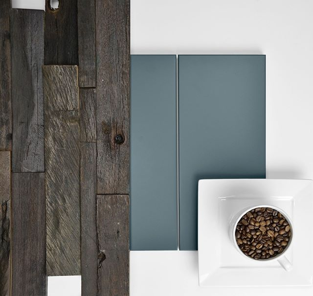 Sit Down And Have A Cup Of Coffee With Chroma A Simple Yet Chic Door Style That Is Fabulous In Any Color Today Chroma Is Spo Wood Arch Simple Style