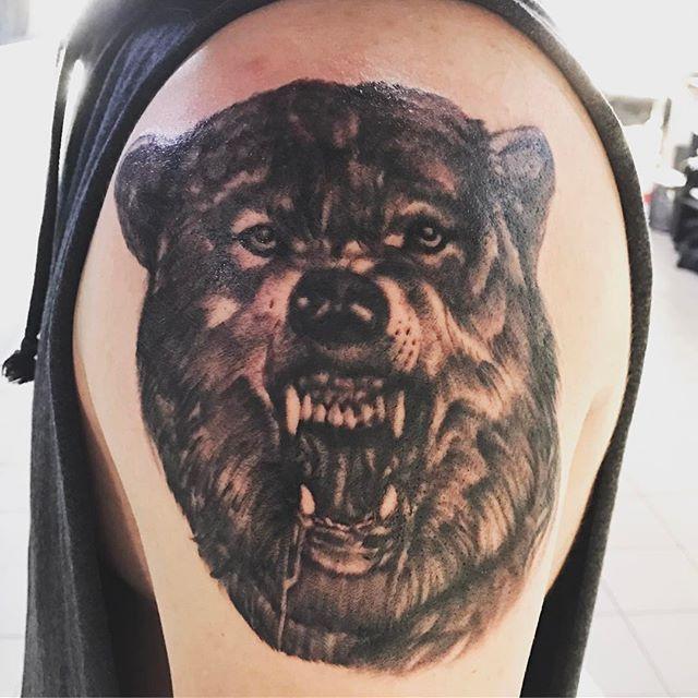 Black and grey realistic wolf by Craig Oliver. 🤘🐺#tattoo #tattoos #tat #ink #inked #tattooed #tattoist #coverup #art #design #instaart #instagood #sleevetattoo #handtattoo #chesttattoo #photooftheday #tatted #instatattoo #bodyart #tatts #tats #amazingink #tattedup #inkedup #nctattoers #tattooedmagazine #wolf #realistictattoo #blackandgreytattoo