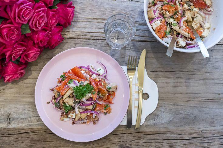 Lun salat med grillet paprika og kylling