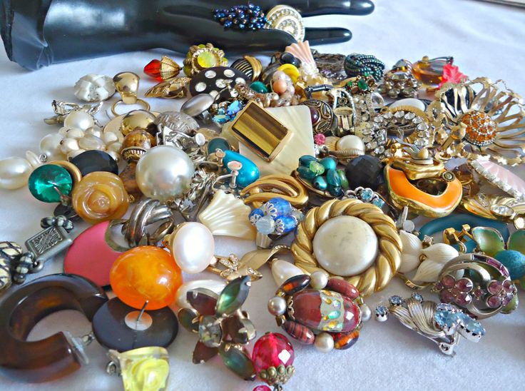 100 Vintage Single Earring Lot Jewelry Making Repurpose Jewelry Finding Supply by TreasureCoveAlly on Etsy