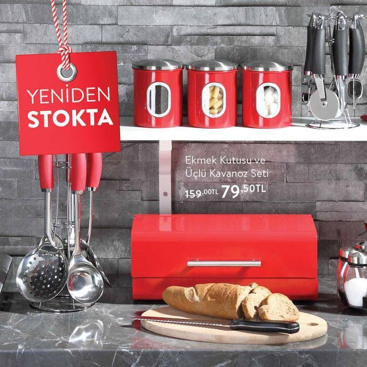 Kırmızı tutku yeniden stoklarda!  Kırmızı kavanoz setli ekmek kutusu #BeylikdüzüMigros AVM Bernardo'da yerini aldı.  #bmigrosavm #home #decoration #red