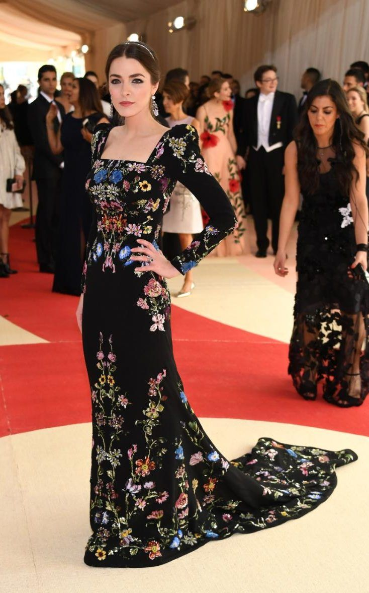 Daughter of Anna Wintour, Bee Shaffer, looked utterly regal in a dark Alexander McQueen gown embroidered with blooms