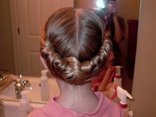 Little Girl's Hairstyles - Twist and Tuck http://instagram.com/sparklysodastyle http://jardindejoy.blogspot.com/2009/09/little-girl-hairstyles-twist-and-tuck-5.html