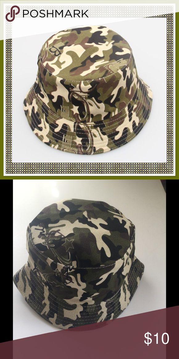 Boys Camo Bucket Hat, NWOT Boys Camo sun block bucket hat, fits 2-6 yr olds Boutique Accessories Hats