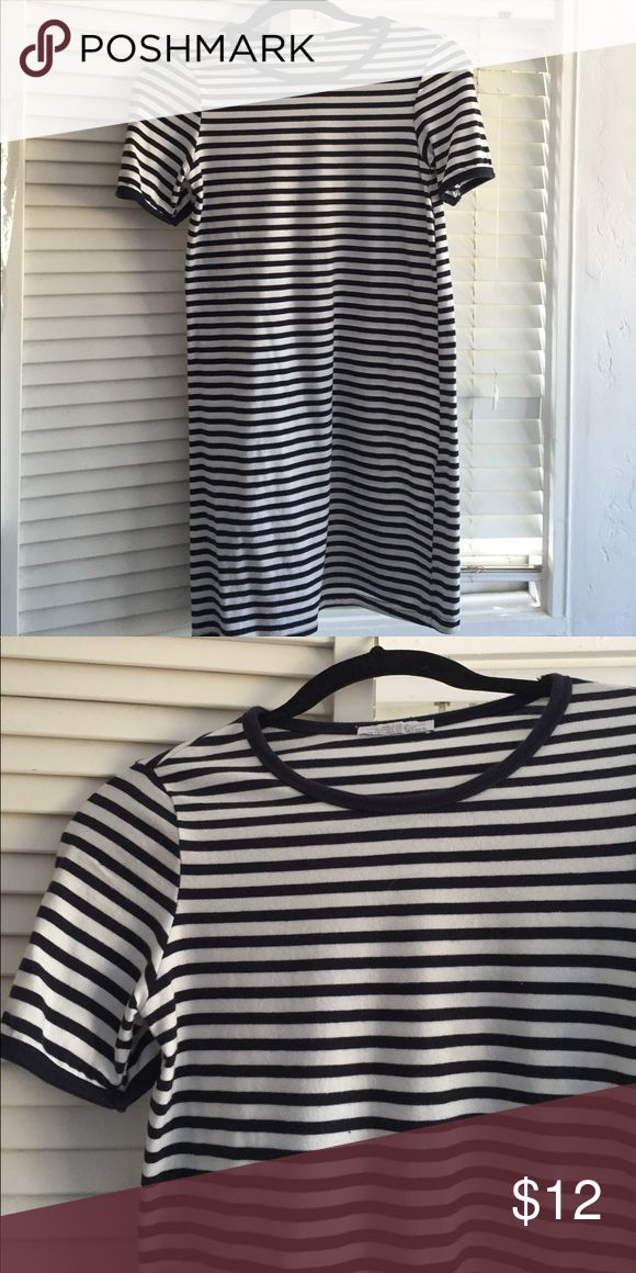 Zara tshirt dress in navy and white stripes size S Summer tshirt dress from Zara navy and white stripes size S Zara Dresses