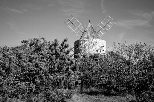 """Saint Julien le Montagnier (83) en Provence. """"Le Moulin"""" par Muddy photography http://www.flickr.com/photos/escucha/"""