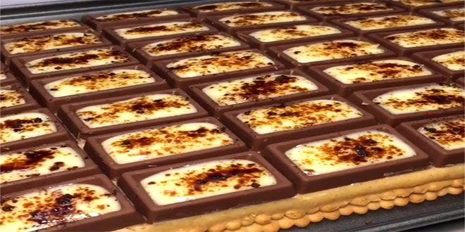 الطبقه الاولى بسكوت شاي حليب سايل الطبقه الثانيه كوبين حليب بودره محمص نص كوب سكر Food Desserts Cooking Recipes