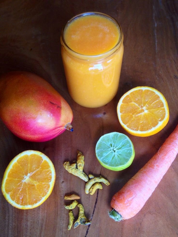 Batido de manga, cenoura e curcuma