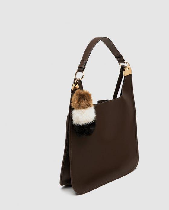 8175cba83d0 Zara Zwarte portefeuille met blauwe details. smalle tuintafel hout. portemonnee  zara