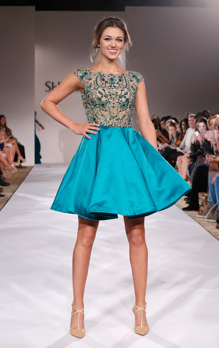 Sherri Hill Prom 2015 Collection Modeled by Sadie Robertson 4 - Twist