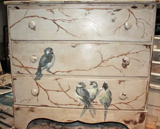 CAN'T PAINT - MODGE PODGE THE BIRDS  *Savvy Salvage Sisters: Bird's of a feather Chest!