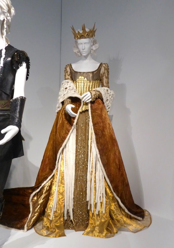 Charlize Theron The Huntsman: Winter's War Queen Ravenna costume