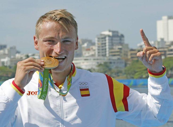 El español Marcus Cooper Walz tras ganar medalla de oro en la final de K1 1.000…