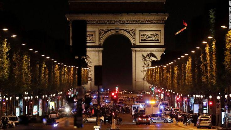 Paris (CNN) En man som dödat en polis på Champs-Elysées torsdag kväll hade var känd i franska säkerhetstjänsten för radikala islamistiska aktiviteter oc