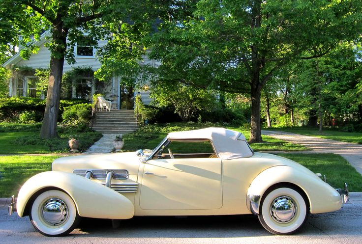 1937 Cord - glorious styling