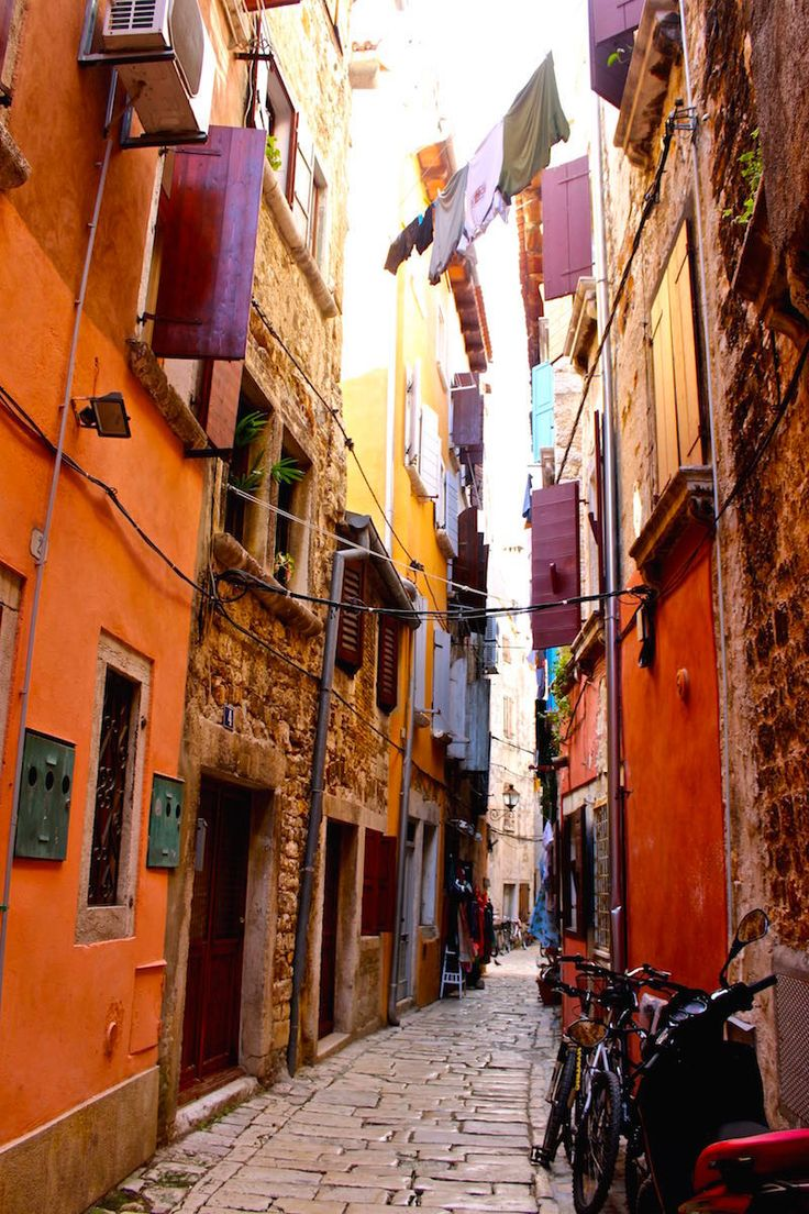 Don t travel read only one page st augustine rovinj croatia - Cobble Stone Streets In Rovinj Croatia