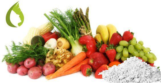 LAVARE FRUTTA E VERDURA NATURALMENTE... Lasciare a bagno per qualche minuto in acqua ed argilla (1 cucchiaio per ogni litro) favorisce l'eliminazione di residui di pesticidi ed altre sostanze pericolose presenti su frutta e verdura. Sciacquare bene... L'Argilla è DETERGENTE (emulsiona acqua, grassi e sporcizia) ANTISETTICA (forte azione batteriostatica) ANTITOSSICA (inattiva veleni e tossine).