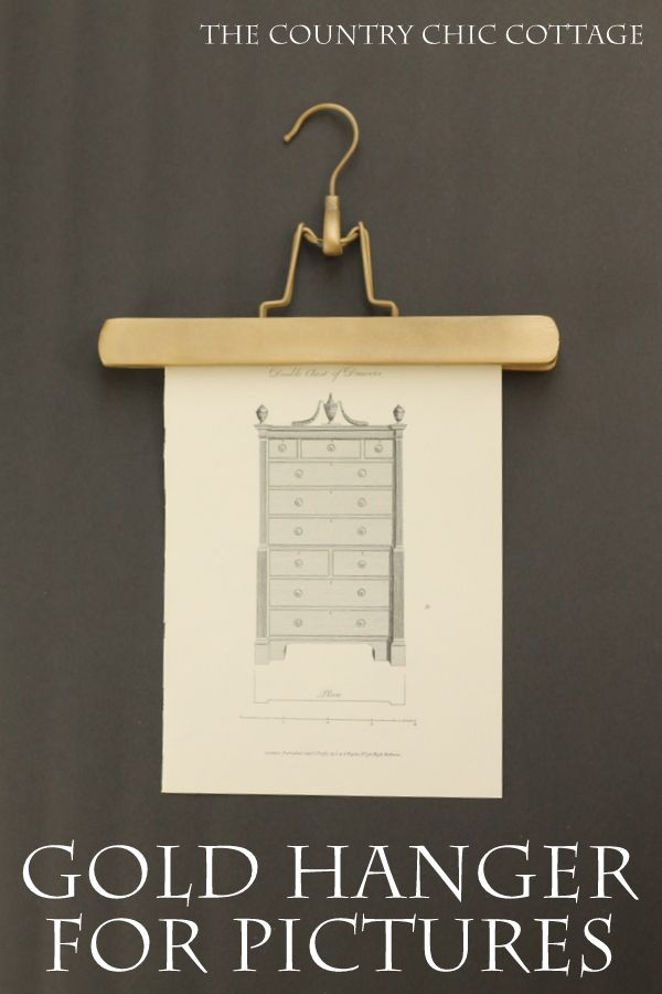 Make a gold hanger for pictures in just minutes!