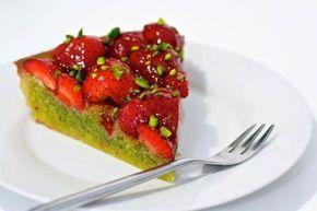 Denne jordbærtærte med pistaciemasse er simpelthen så lækker, at du bliver nødt til at prøve den. Det er Claus Meyers opskrift, som jeg har linket til.