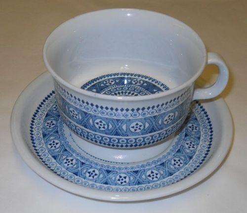 Arabia Ulla Procope Vintage Retro Tea Cup Saucer Finland
