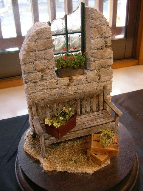Miniature Scene~ This would be perfect for a live miniature garden!
