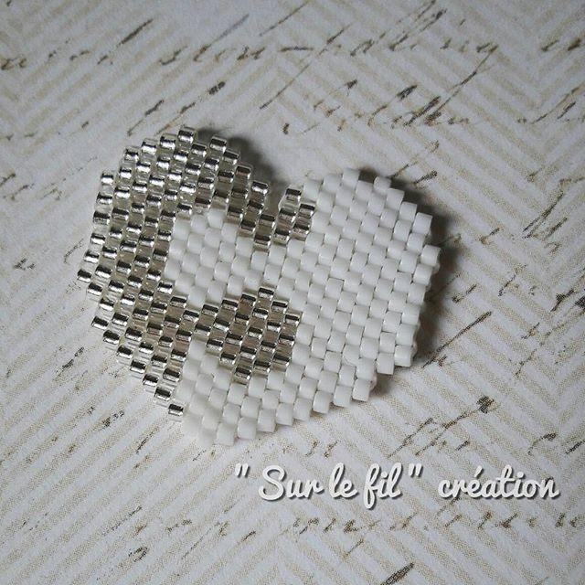 En prévision de la Saint Valentin, j'ai préparé un puzzle en forme de coeur. Vous l'aimez ? Vous le porteriez ? En broche ou en collier ? Perso, je pense que je vais opter pour la broche ! Broche : Coeur en pièces #miyukibeads #miyukis #perlesmiyuki #miyuki #miyukiaddict #broche #brooch #pendentif #coeur #puzzle #heart #saintvalentin #valentin #valentine #handmade #faitmain #handmadejewelry #bijoufaitmain #surlefilcreation #motifsurlefilcreation #jenfiledesperlesetjassume #perlezmoidamour