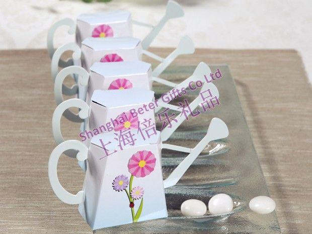 """""""英語庭"""" ジョーロに水が好意のボックス        http://aliexpress.com/store/product/Free-Shipping-100box-Pink-Flip-Flop-Bottle-Opener-wedding-bomboniere-WJ058-B/513753_1719869702.html         #結婚式の好意 #花嫁 #festa #お土産 #卸し  #presentes"""