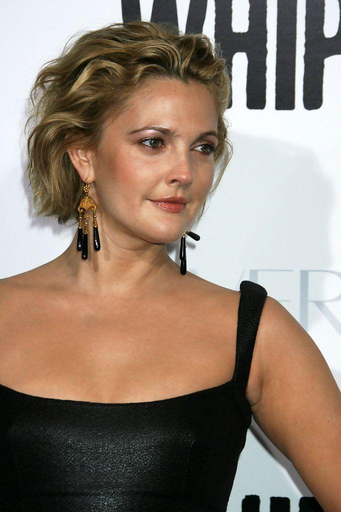 Drew Barrymore Gemstone Chandelier Earrings | Drew barrymore hair, Short hair styles, Golden ...