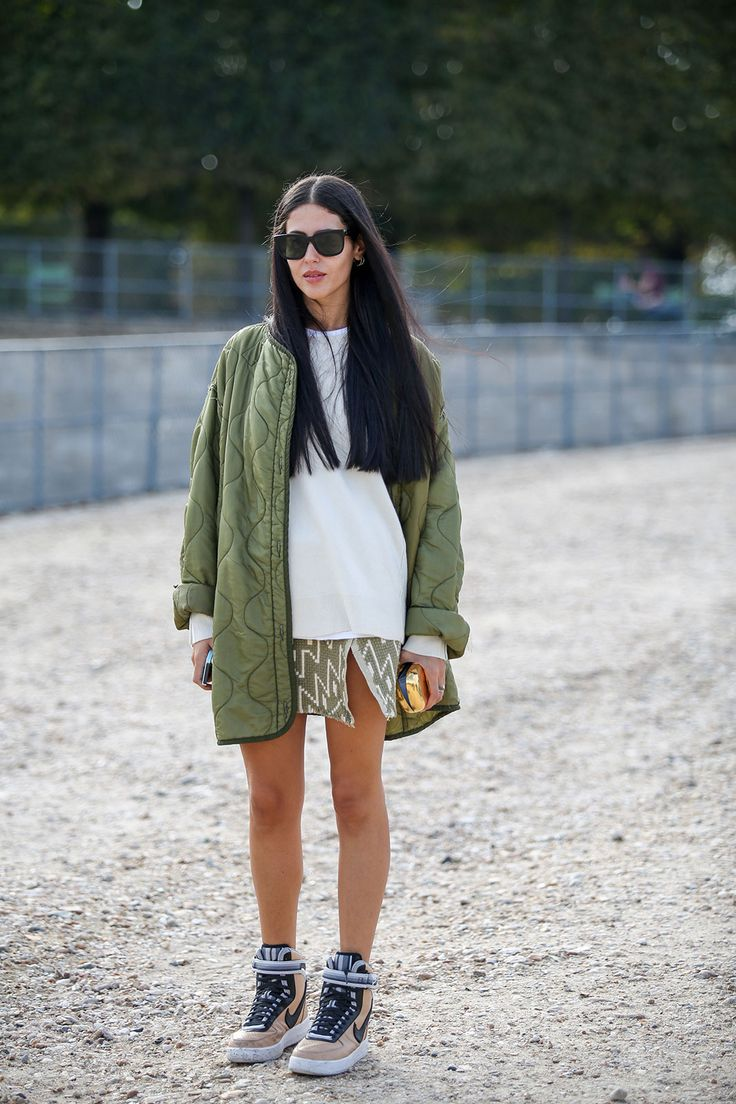 80 French Style Lessons To Learn Now #refinery29  http://www.refinery29.com/2014/10/75565/paris-street-style-photos-fashion-week-2014#slide62  Don't: Look like you wouldn't wear this every day.